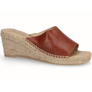 Clog with jute sole brown tan