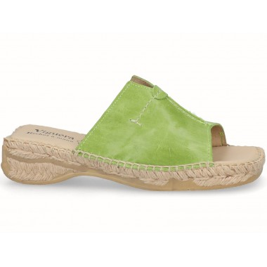 Clog with jute sole pistachio green